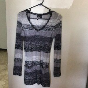 Long slim sweater with pockets